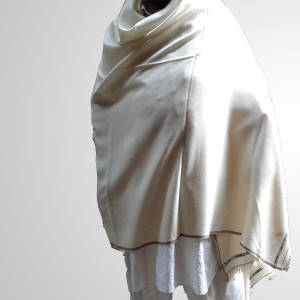 Off White Color Woolen Kashmiri / Pashmina Shawl SHL-004